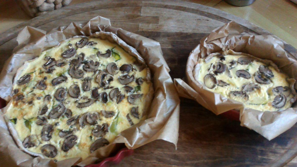 Tarte blés anciens aux tagliatelles de courgettes, champignons frais, fromage blanc de brebis🌾🌾🌾