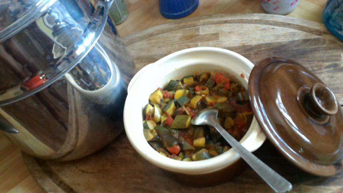 Ratatouille au curcuma et poivre noir au Vitaliseur de Marion🍆🍅🥒🍆🍅